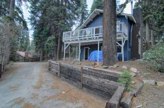 Updated Tahoe City 3 Bedroom Home with Fantastic Kitchen and Gas Fireplace