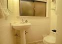 bathroom-3-3rd-floor