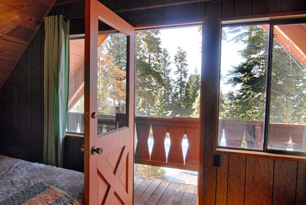 Economical pet friendly kings beach home property 193 for Balcony upstairs